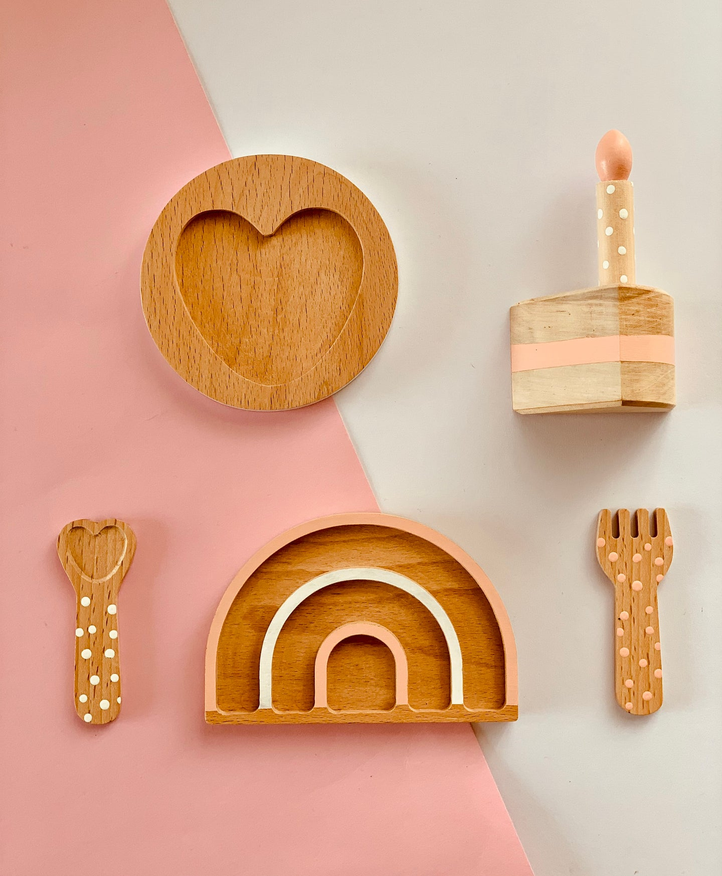 This wooden doll accessories set has an incredible delicacy and softness that we adore! Enhance their play time with our beautiful handcrafted in natural wood dolls Accessories Set.