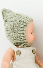 This cosy, textured doll bonnet is hand knitted in Europe, specially designed for the 38 cm dolls, but can fit dolls around 34 - 40 cm (13 - 15 inch) Miniland, Minikane, Paola Reina Gordis etc, has beautiful pixie shape with lovely popcorn details, just adorable!