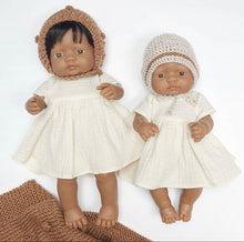 This cosy bonnet is hand knitted in Europe, specially designed for the 32 cm dolls, can fit dolls around 30 - 34 cm (11- 13 inch) Miniland, Minikane, Paola Reina Gordis and similar.