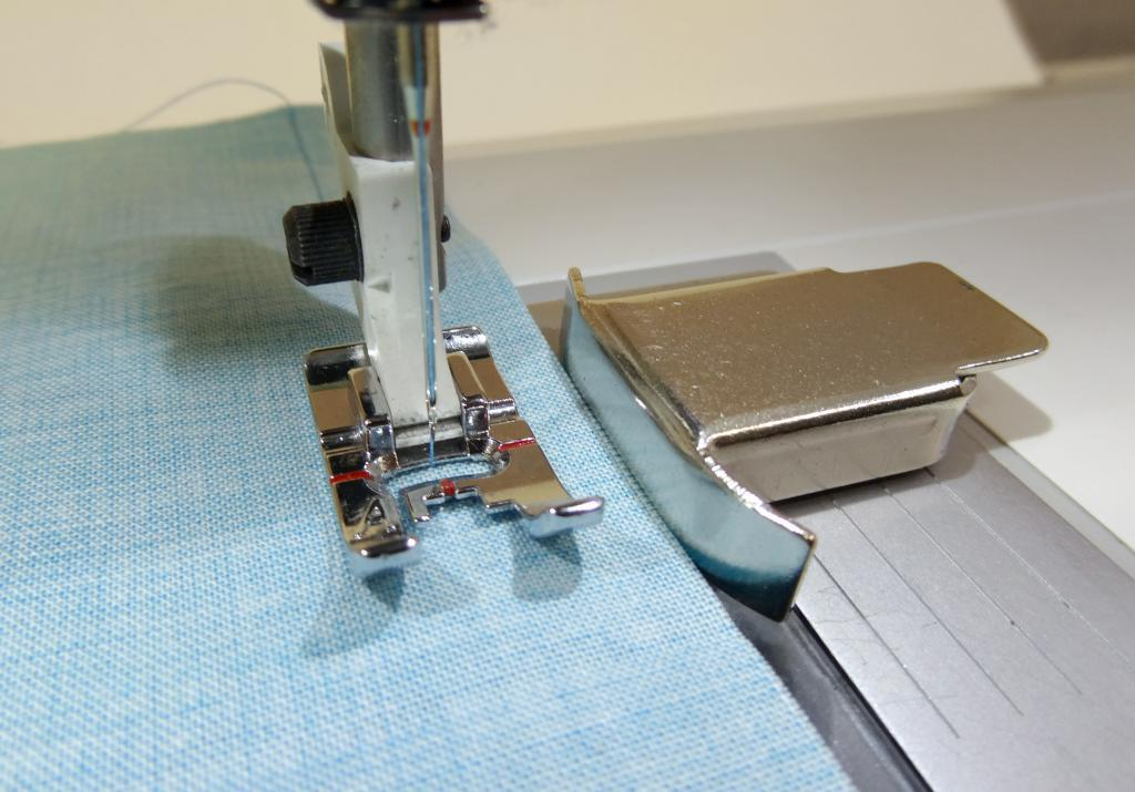 HAND Magnetic Seam Guide Sewing Machine Magnetic Seam Guide