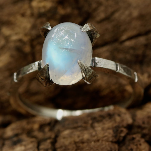 Oval cabochon moonstone ring in sterling silver prongs setting with oxidized engraving silver band - Metal Studio Jewelry