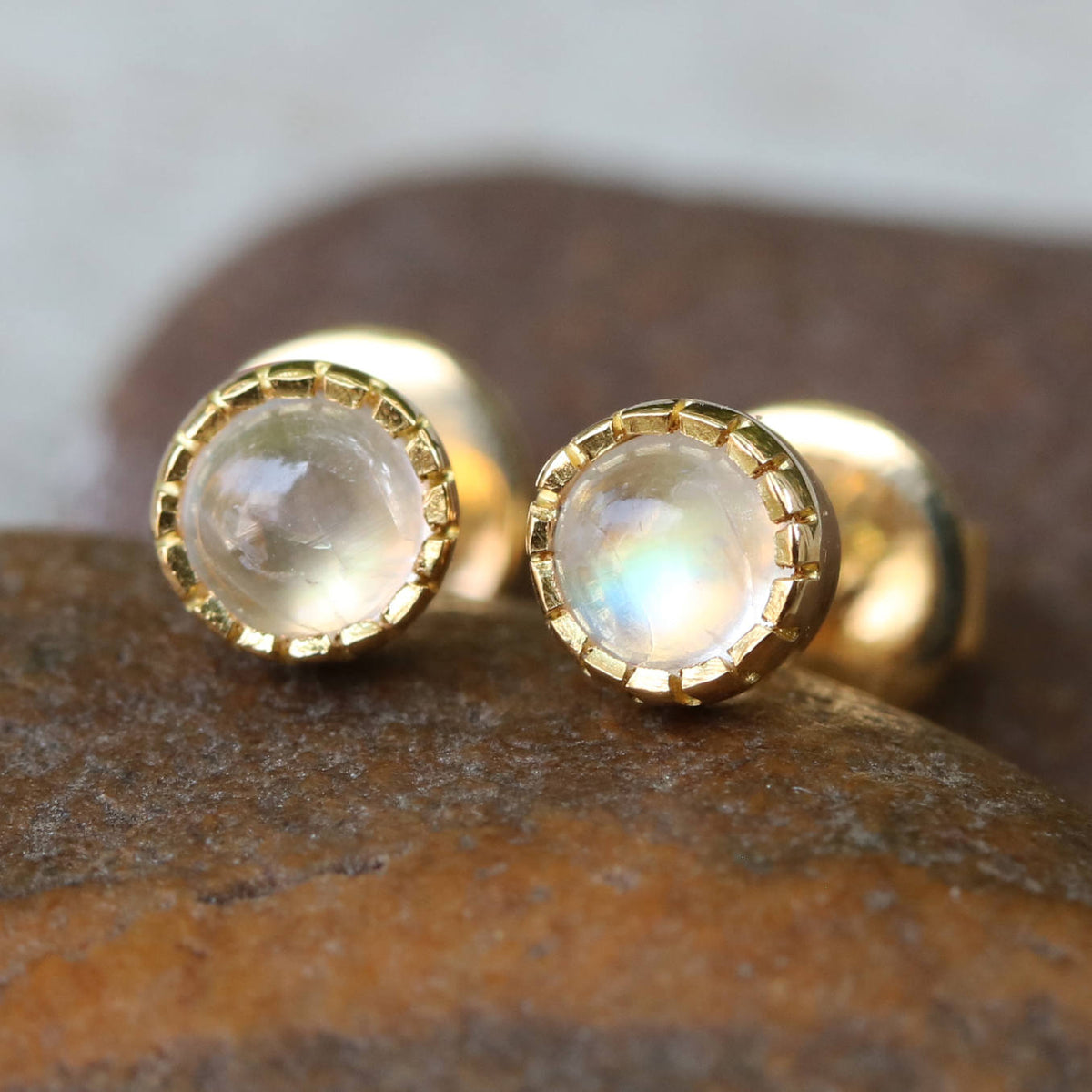 Earrings,Tiny round cabochon moonstone in prongs setting with 18k gold in stud style