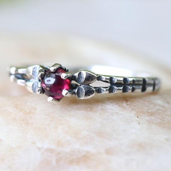 Funky sterling silver ring with red garnet gemstone - Metal Studio Jewelry
