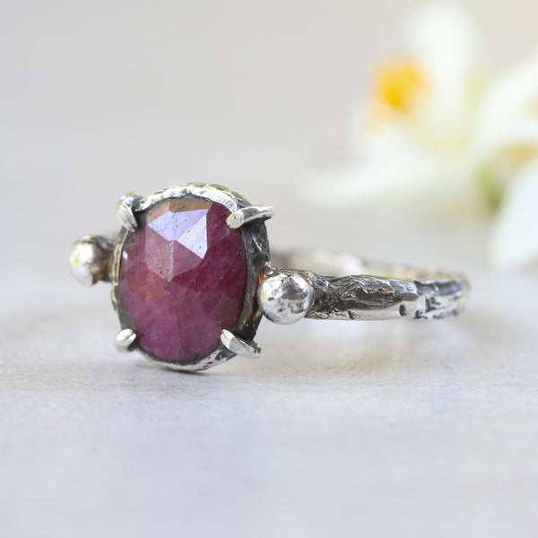 Ruby ring in rose cut with twin side set silver beads on sterling silver hammer texture band - Metal Studio Jewelry