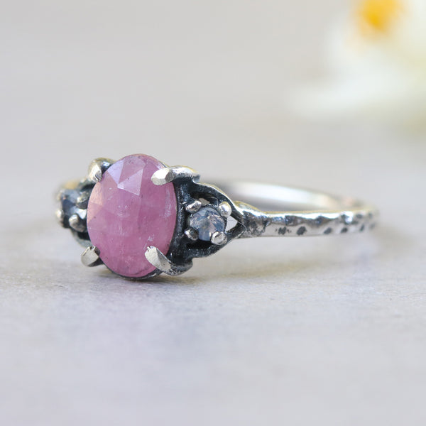 Pink ruby ring with tiny round faceted moonstone side set gems in prongs setting - Metal Studio Jewelry