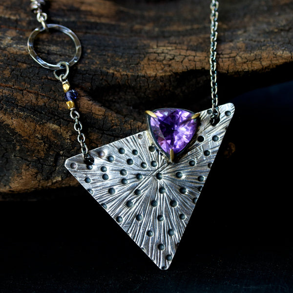 Amethyst trillion faceted pendant necklace with silver engraving technique triangle shape - Metal Studio Jewelry