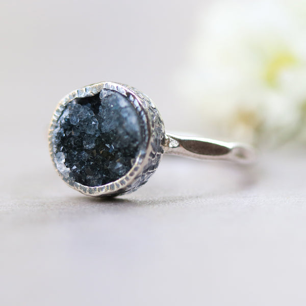 Black round druzy quartz ring in silver bezel setting with sterling silver hammer texture band - Metal Studio Jewelry