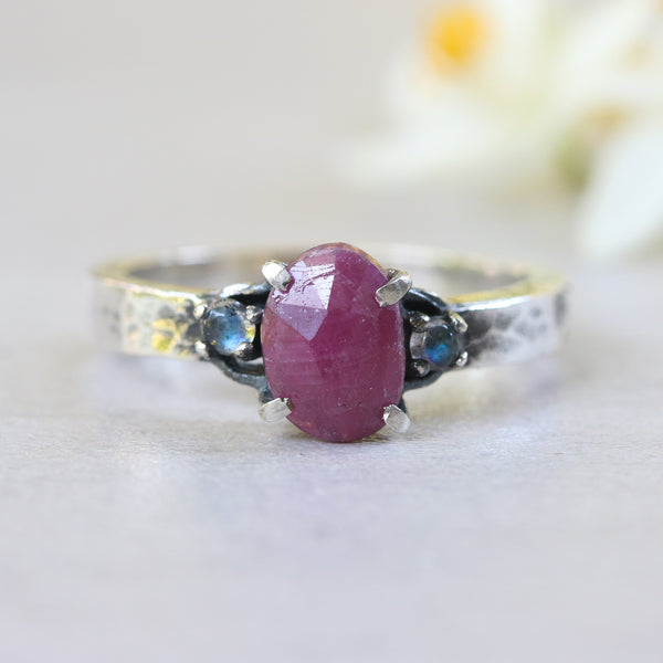 Oval rose cut ruby ring in prongs setting and twin side set tiny labradorite - Metal Studio Jewelry