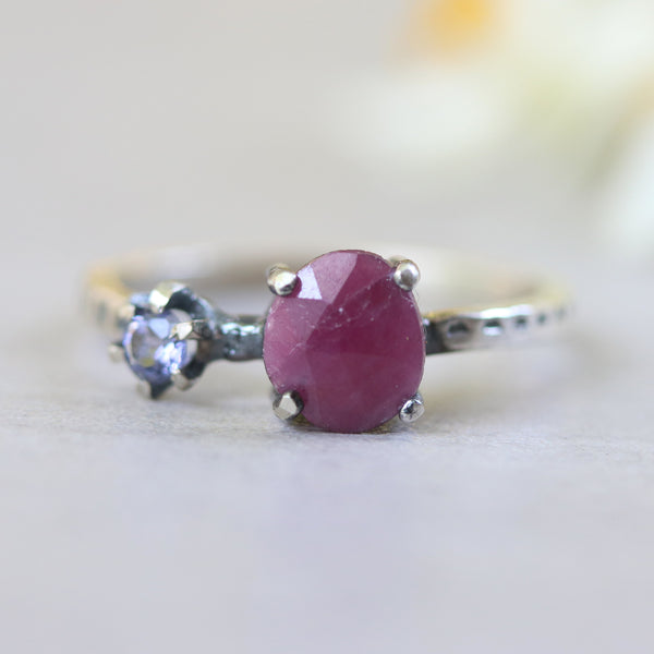 Ruby ring in silver 4 prongs setting and tiny round faceted iolite