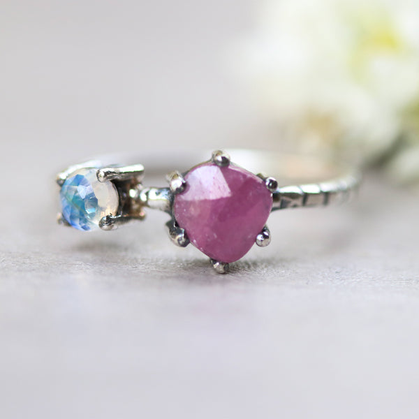 Faceted pink ruby ring in silver prongs setting and tiny moonstone - Metal Studio Jewelry