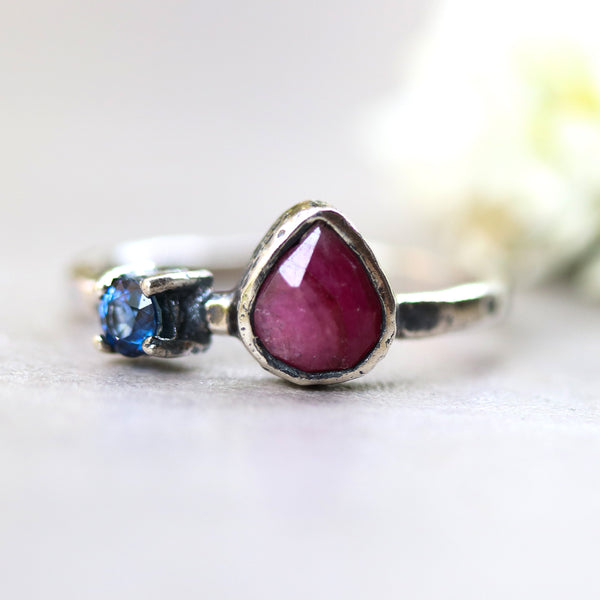 Ruby ring in silver bezel setting and tiny round blue sapphire with sterling silver texture hammer design band - Metal Studio Jewelry