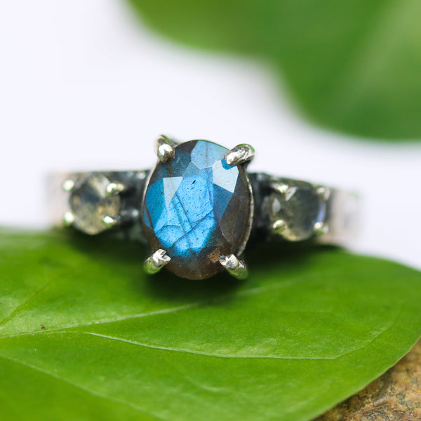 Oval gray faceted labradorite ring and tiny labradorite on side - Metal Studio Jewelry