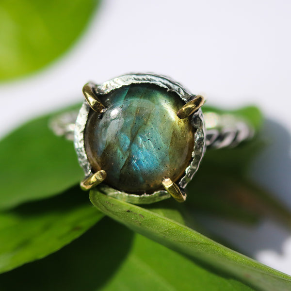 Round Labradorite ring in silver bezel and brass prongs setting with sterling silver band - Metal Studio Jewelry