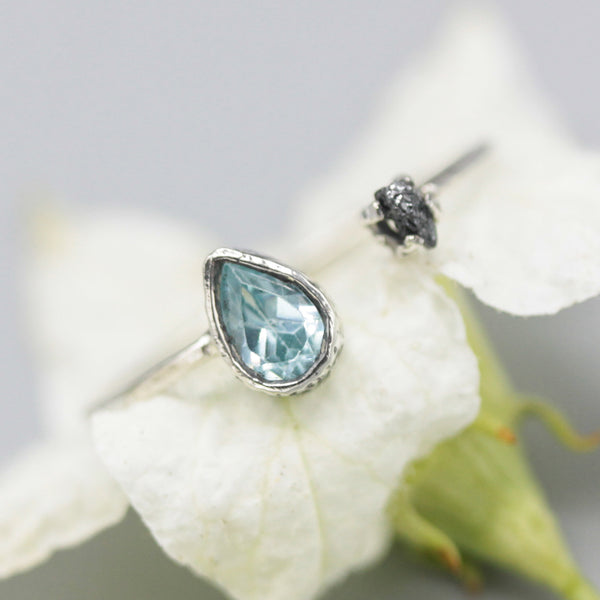 Blue topaz ring and rough diamond in silver bezel and prongs setting with sterling silver band - Metal Studio Jewelry