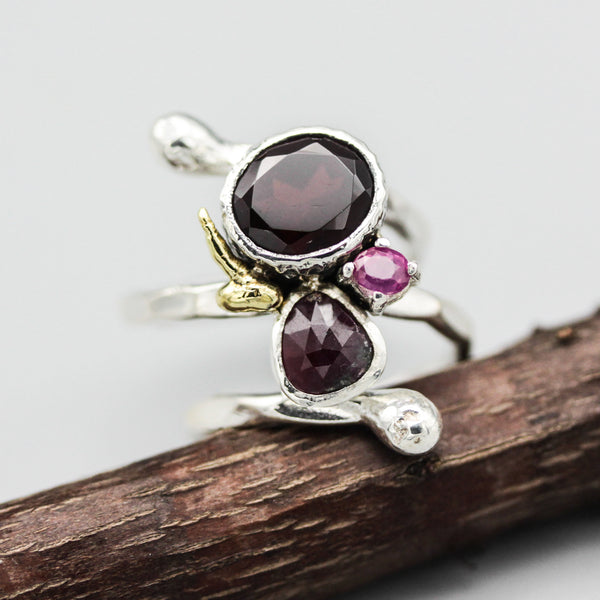 Oval garnet,red triangle ruby and tiny pink ruby ring in silver bezel and prongs setting with sterling silver wrap band - Metal Studio Jewelry