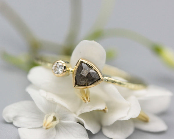 Salt and pepper diamond ring with tiny diamonds on the side and 14k gold texture band - Metal Studio Jewelry