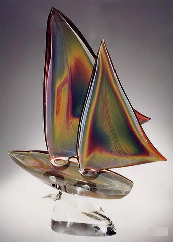 Murano glass sailing boat in Calcedonio glass