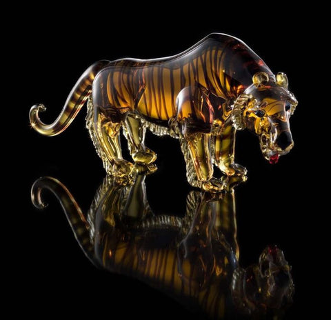 Murano glass tiger in black amber and gold