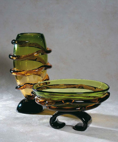 Green vase and bowl with 'morises'