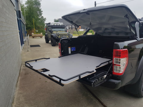 Antec Sliding Tray voor Toyota Hilux Double Cab (2016+) | Antec Sliding Tray pour Toyota Hilux Double Cab (2016+)
