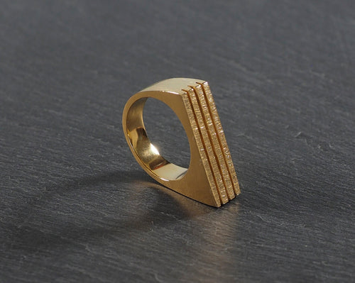 Angulo Ring 24kt Yellow Gold