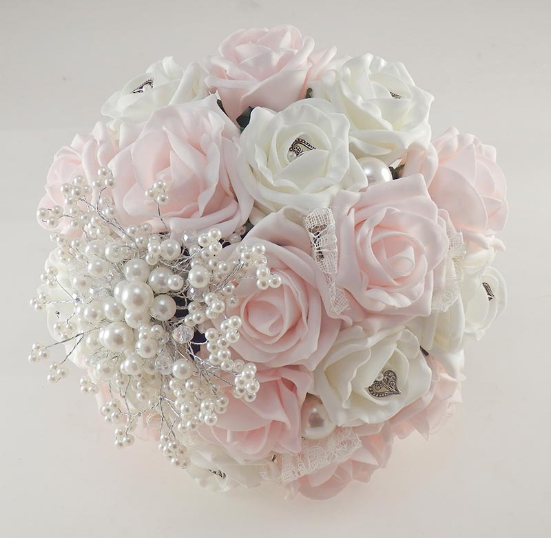 Wedding Flowers On A Budget Uk: Vintage Heart Wedding Flower Package In Light Pink & Ivory