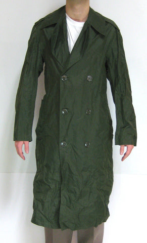 Military M-2 Nylon Rain Coat - Size 34-R