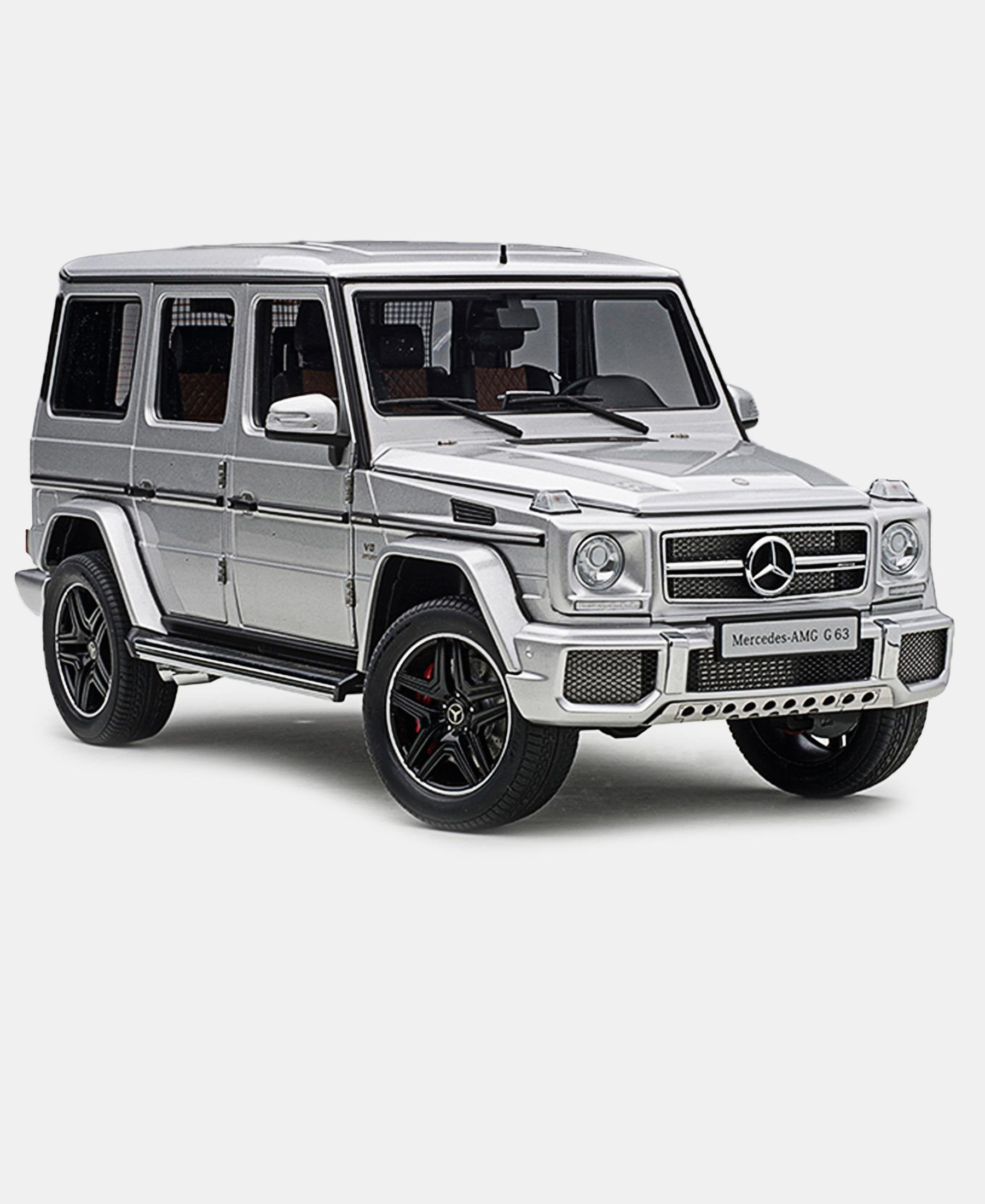 1:18 Die Cast Mercedes AMG G63 2017 Model Car - Silver