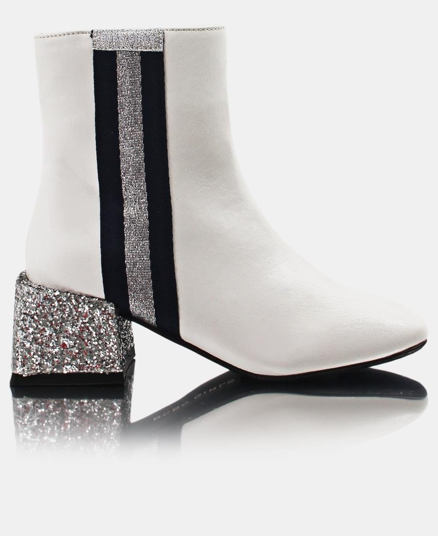 Girls Boots - White