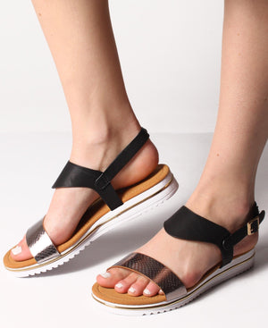 Comfy Strappy Sandals - Black