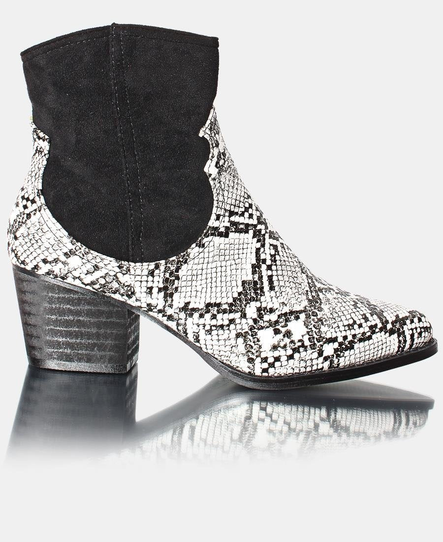 Ladies' Ankle Boot - White