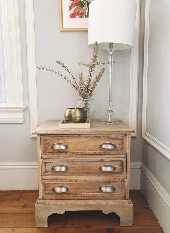 How to Incorporate Vintage Furniture Like a Pro