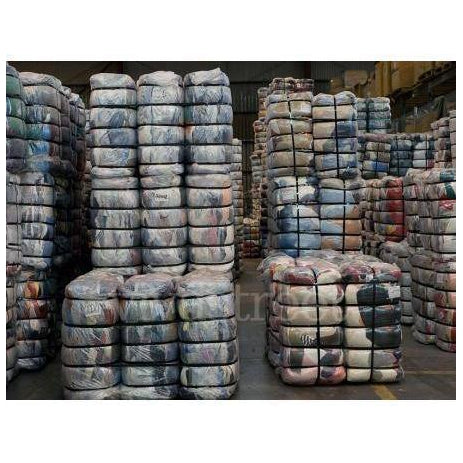 Mixed Winter, Spring and Autumn Secondhand Clothing Bales in Mixed bales of Men, women and kids wear