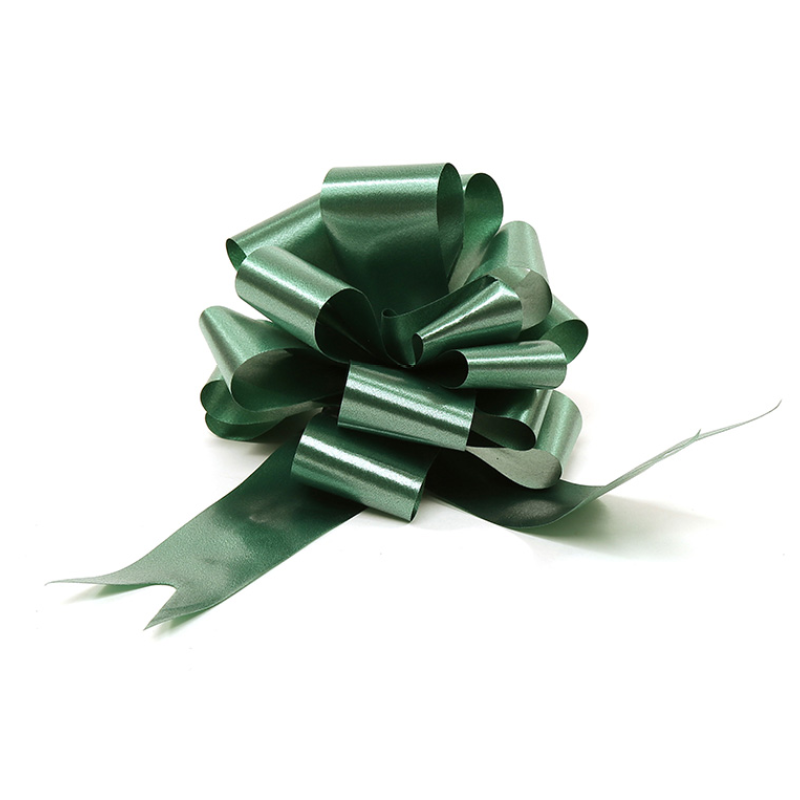 A green pull bow