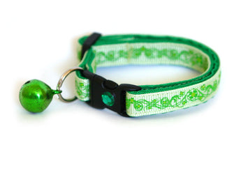 Pretty Shamrocks on Green Cat Collar