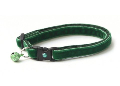 Emerald Green Velvet Cat Collar