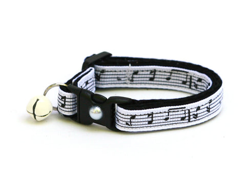 Music Notes on White Cat Collar