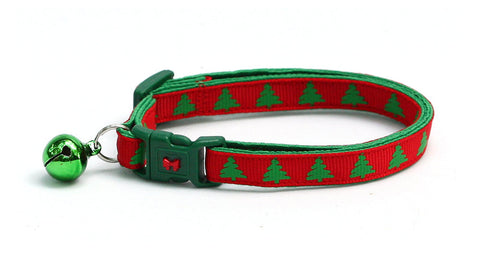 Green Christmas Trees on Red Cat Collar