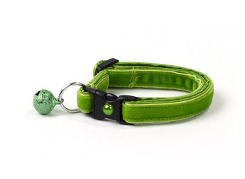 Granny Smith Apple Green Velvet Cat Collar
