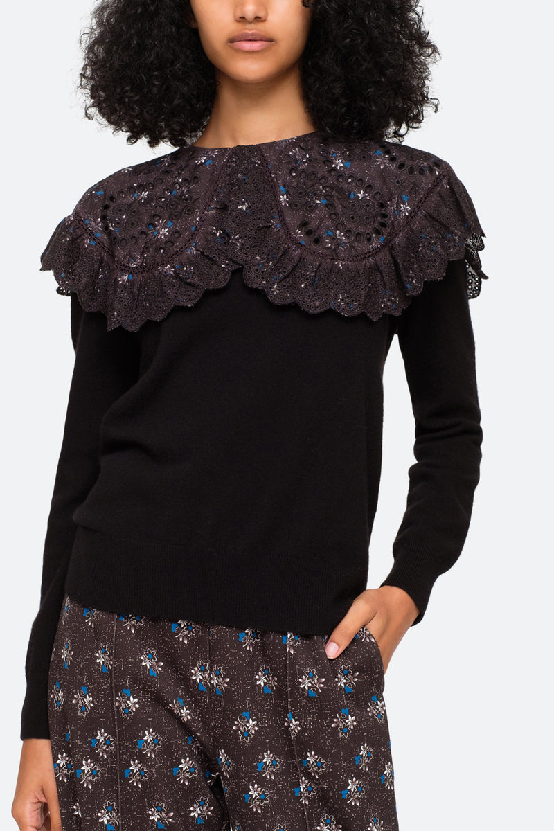 Black-Embroidered Collar-Model View 4