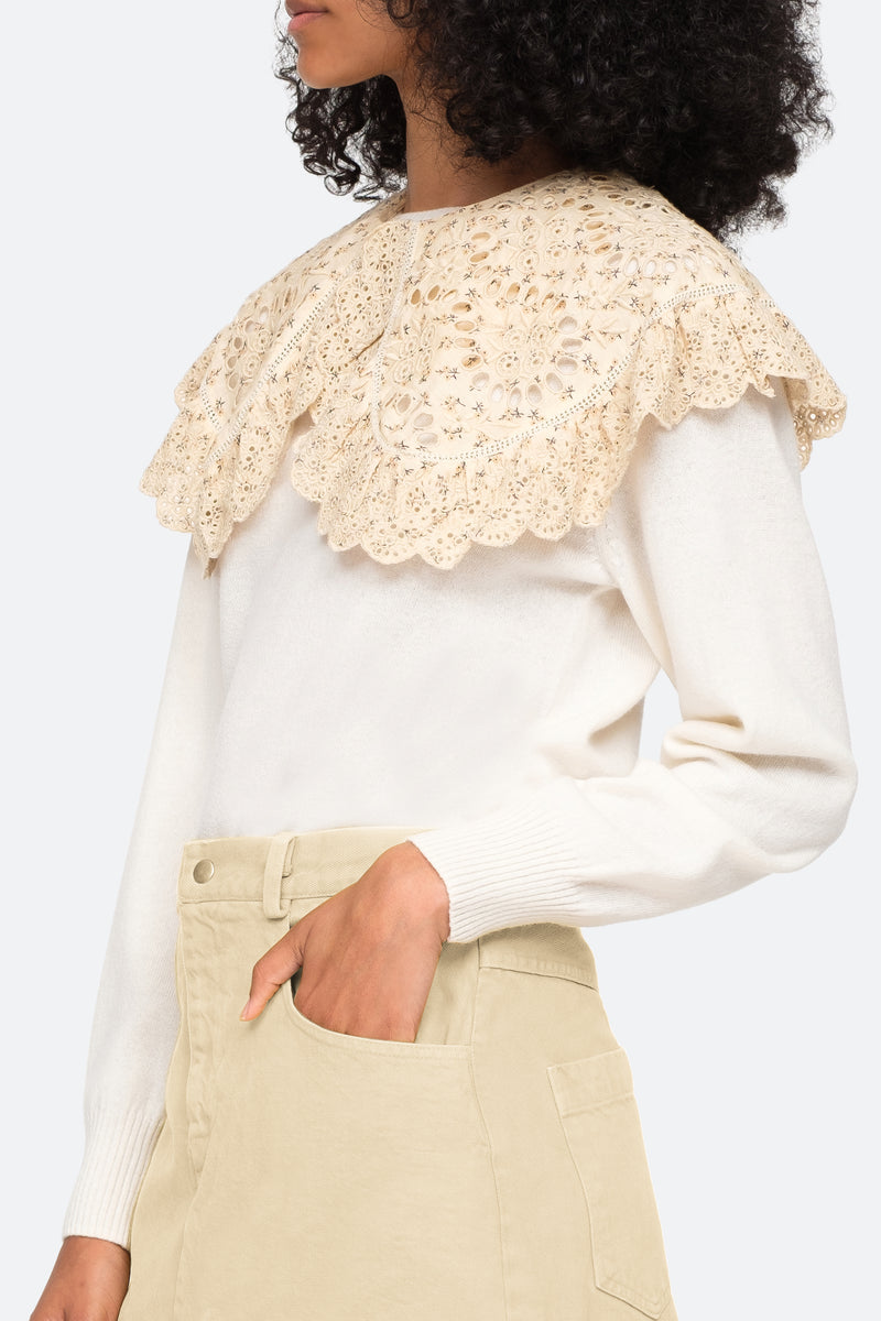 Cream-Embroidered Collar-Model View 2