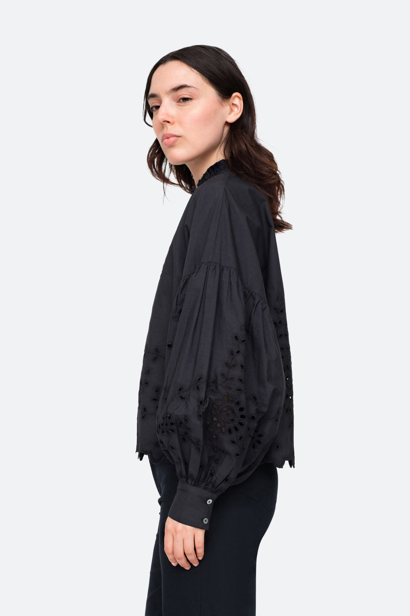 Black-Fern Shirt-Side View 3