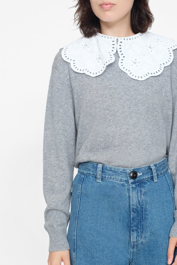 Zippy Lace Collar