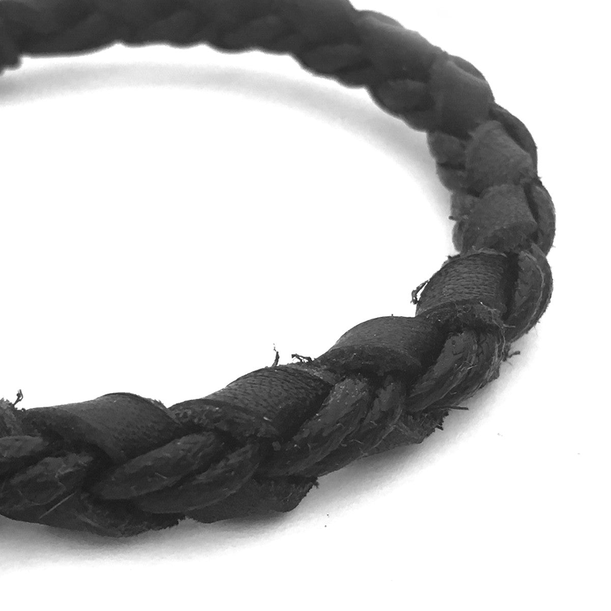 Lost Art Canada - black steel jewellery koal bracelet front view