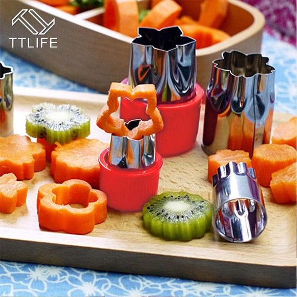 8pcs/Set Flower/Star Shape Stainless Steel Vegetable & Fruit Cutter
