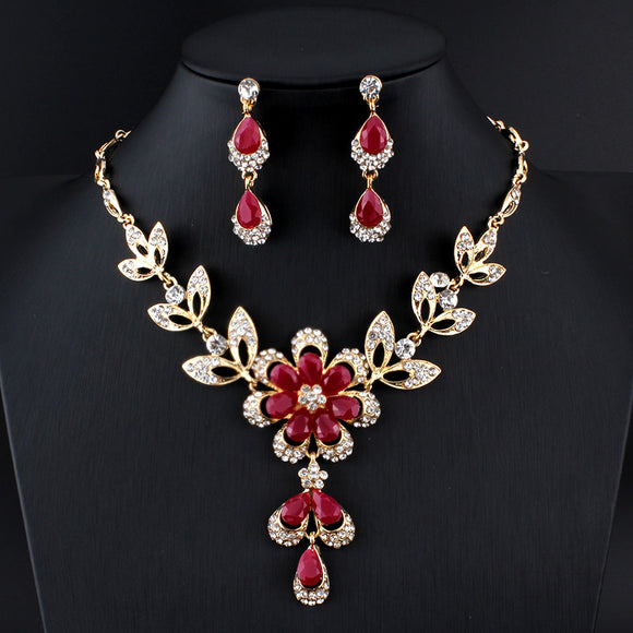 Black/Red Golde-color Necklace & Earrings Set