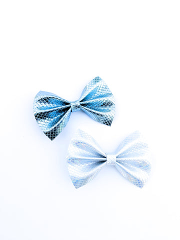 Metallic Mermaid Tail Pinch Bow