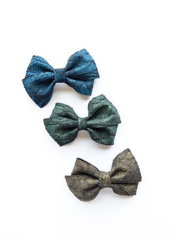 Winter Lace Loopy Bow