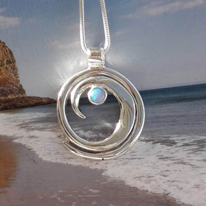Wave silver necklace with opal