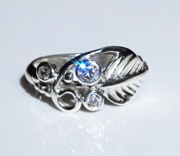 Silver leaf ring with cubic zircona by Pa-pa